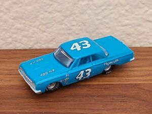 1964 Cup Champion Richard Petty Plymouth Belvedere 1/64 NASCAR Diecast Loose