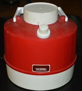 Vintage Thermos Red & White 1 Gallon 3.8 Liters Picnic Drink Water Cooler 8x9 in