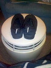 Avon Unisex Slippers With Memory Foam--Black w/Black Trim Size MED (ADULT 7/8)