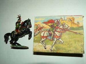 Figurine STARLUX Ancienne  Moyen Age Cavalier Hache et Bouclier Jouet Toy