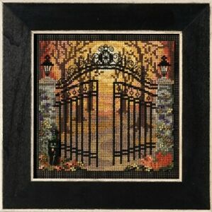 Spooky Gate - Autumn Series 2021 Mill Hill Buttons & Beads Kit New