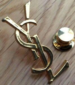 RARE Pin's lapel pins YSL YVES SAINT LAURENT vintage état superbe doré  3,2 cm