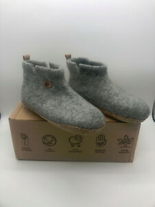 WoolFit® ankle high Felt Boots Slippers | Yeti, stone gray size US7