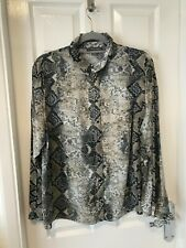 WOMENS (PRIMARK) SNAKE PRINT BUTTON UP SHIRT BLOUSE. SIZE 16.