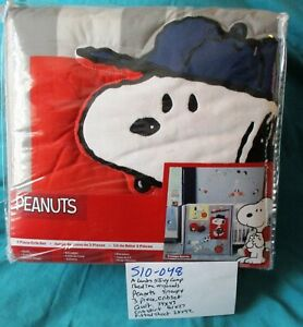 A Lambs and Ivy Co. Bed Time Originals Snoopy 3 Piece Crib Set(510-048)