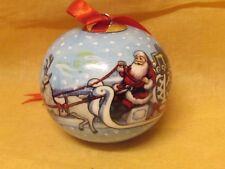 V&B VILLEROY & BOCH  SANTA´S SNOW BALL  Santa mit Schlitten , Anhänger / - Kugel