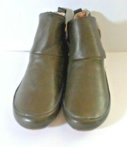 Ladies Soft Synthetic Flat Ankle Boots Olive Green Size 7