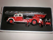 1/43   Fire Ladder  MAGIRUS-DEUTZ S 6500 DL-30 Minichamps