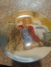 Americas Oldest Knowles Annie And Sandy decorative plate*