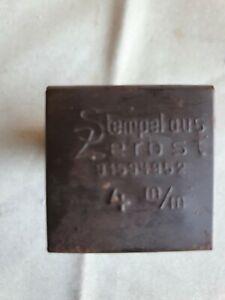Alte Schlagzahlen, 4mm in Blechschachtel