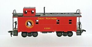 GREAT NORTHERN CABOOSE- HO SCALE