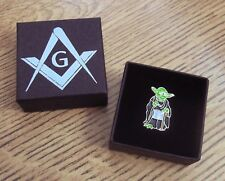 MASONIC 'APRON' PIN BADGE / CHROME PLATED SQUARE & COMPASS G, BLUE LODGE GIFT