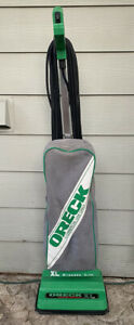Oreck XL Commercial Grade Upright Vacuum Cleaner Sweeper Light Weight Green