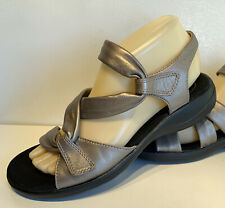 CLARKS COLLECTION Ultimate Comfort Silver Metallic Sandles Womens Size 7.5 M
