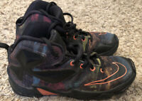 Nike Lebron 13 XIII Akronite Philosophy Basketball Shoes 808710-008 BOY Size 2Y