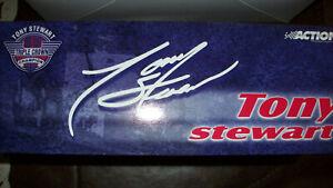 Tony Stewart 1995 Midget Sprint Car Action Extreme 1:24 Scale