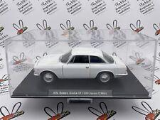 "DIE CAST "" ALFA ROMEO GIULIA GT 1300 JUNIOR (1966) "" SCALA 1/24  AUTO VINTAGE"