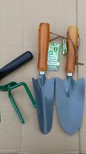 2 trowels & hand claw. Gardening tools. Transplanting & standard trowels + claw.