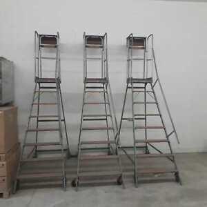 Rollleiter  Plattformleiter Leitergerüst Bauhöhe 280 cm