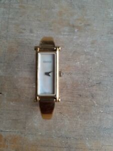 """Women's Gucci Quartz Mother of Pearl Gold Plated 1500 Wristwatch 6"""""""