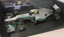 Voitures de courses miniatures blancs MINICHAMPS sur Lewis Hamilton