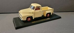 Road Legends Ford 1953 F-100 Pick-Up 1:18 Collection Die Cast No. 92148 White