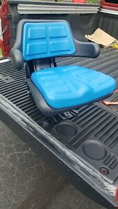 BLUE FORD / NEW HOLLAND WAFFLE TRACTOR SUSPENSION SEAT W/ARM RESTS ADJUSTABLE