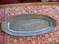 Rarität riesige über 100 Jahre alte Zinn Jugendstil Platte Fischplatte Wels gem.
