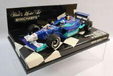 Modellini statici di auto da corsa Formula 1 rosso in edizione limitata per Mercedes