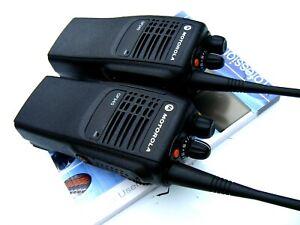 2 X MOTOROLA GP340 UHF 4 WATT PROFESSIONAL RADIOS WALKIE TALKIES TV CREW:RETAIL: