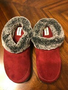 brand new Dearfoams  Women's  Slide Slipper  medium us size 7-8