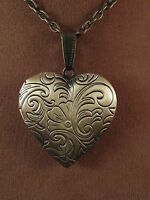 "UK Jewellery Gold/Bronze Style Heart Pendant Photo Locket + 18"" Necklace Chain"