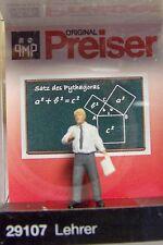NEW ! HO Preiser 29107 Standing TEACHER at Blackboard Figure