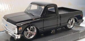 Jada 13cm Long Model Car 24702 - 1972 Chevy Cheyenne  - Black