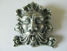 ART DECO ANTIQUE STAINED SILVER PLATED MEDIEVAL GREEN MAN DESIGNED BROOCH PIN