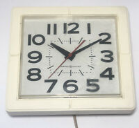 Vintage General Electric Retro Electric Kitchen Wall Clock Made U.S.A  Plug In