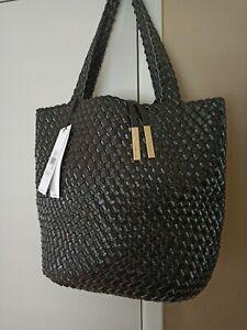 Calvin Klein R-KITOTE Woven (Style: H8JAE8XQ) Black Faux Leather Tote + Pouch