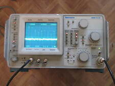 TEKTRONIX 496 SPECTRUM ANALYZER