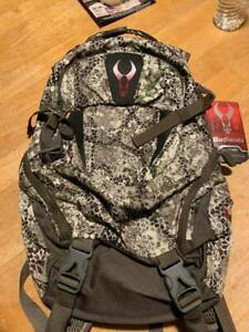 Badlands  Backpack Hdx new