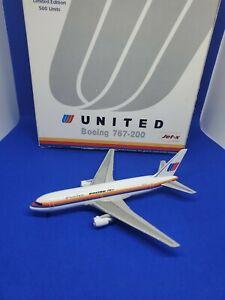 Dragon winvs United Airlines B767-200 N605UA 1:400
