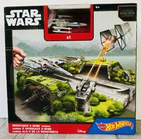 Hot Wheels Die-Cast Playset Star Wars Resistance X-Wing Hangar Disney Mattel