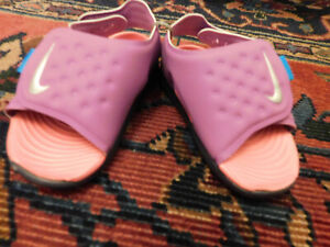 Nike Sunray Adjust (TD) Sandals Infant Toddler sz 4 Raspberry Purple Pink EUC