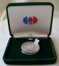 SEALED SILVER COIN- REPUBLICA DOMINICANA UN PESO 1990--MINT CONDITION- IN A BOX