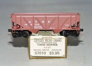 N Scale Vintage Kadee 57010 A.T.S.F. 180793 - 33' Composite Side Twin Hopper