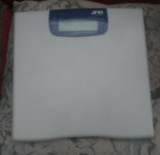 A&D Medical Precision Weight Loss Health Scale UC-321PBT 450 lbs Cracked Screen