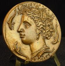 Médaille profil à l'antique dans le goût grec Greek dauphin dolphin Medal 铜牌