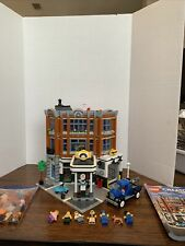 LEGO Creator Expert 10264 Corner Garage Used Missing white lamp post