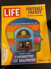 LIFE MAGAZINE NOVEMBER 26, 1971 Football Frenzy
