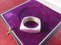 Massiver 925 Silber Ring Unisex Glatt Quadrat Unverkennbar Stylisch Dominant Top