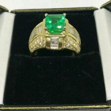 Colombian Emerald and Diamond Ring 18k